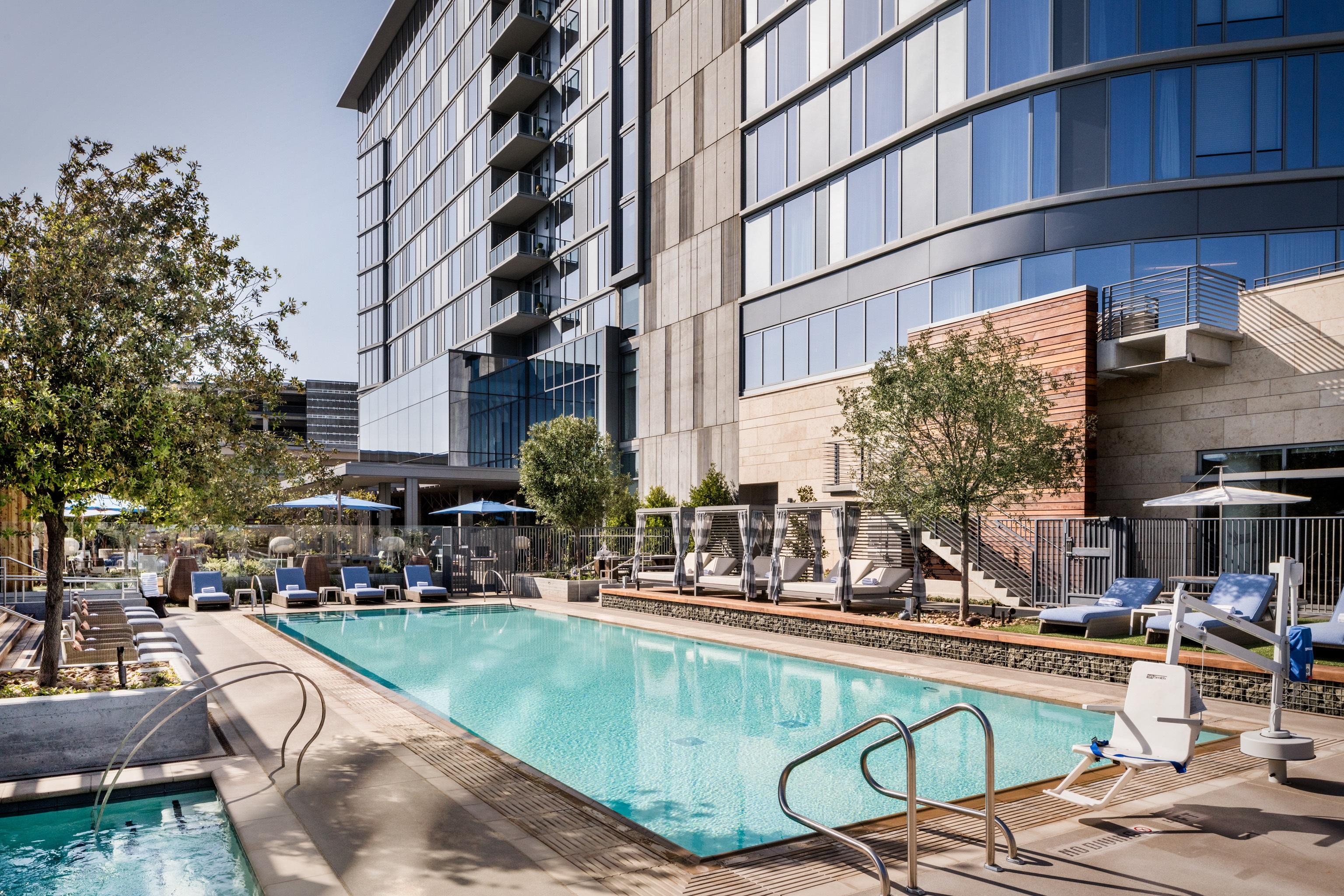 Hotel Nia Pool Exterior