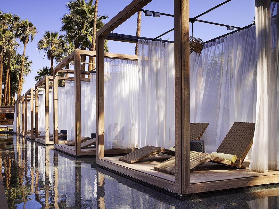 Hotel Maya Poolside