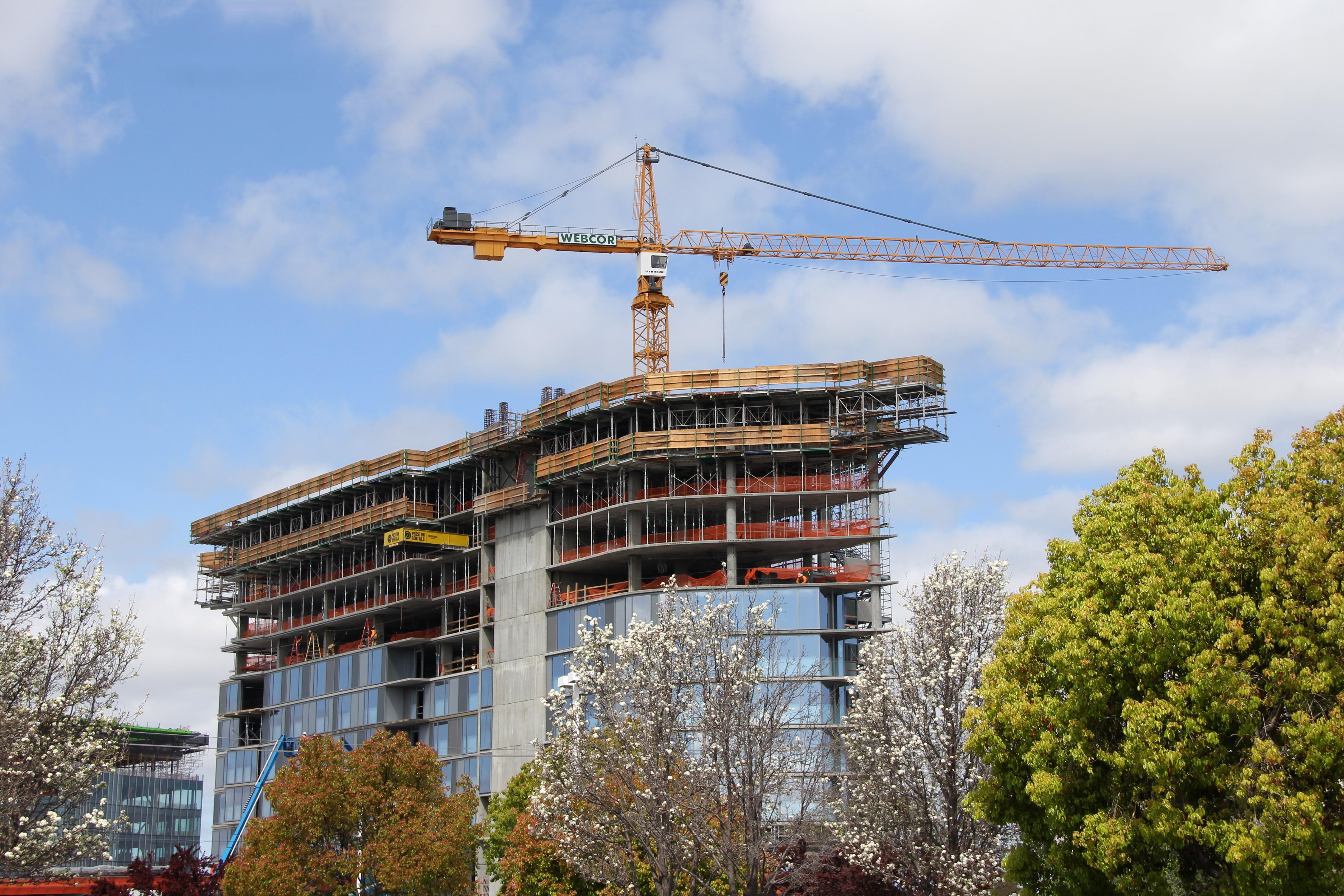 Hotel Nia Construction